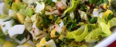 Yeşillikli Yumurta Salatası